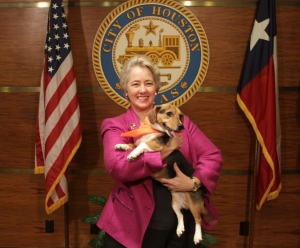 Above: Mayor Parker and Sophie (Photo by Mauricio Zepeda)