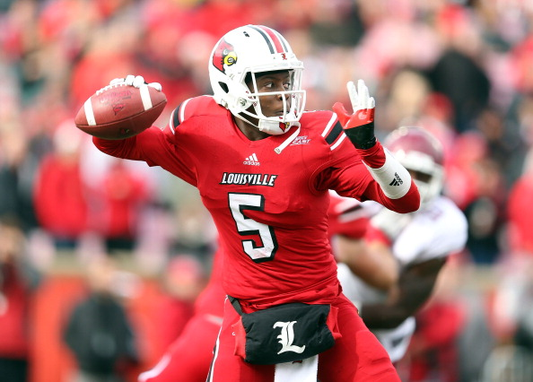 LOUISVILLE, KY - NOVEMBER 03:  Teddy Bridgewater #7 of the Louisville Cardinals throws a pass during the game against the Temple Owls at Papa John's Cardinal Stadium on November 3, 2012 in Louisville, Kentucky.  (Photo by Andy Lyons/Getty Images)