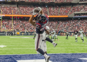 02 October, 2016: Houston Texans tight end C.J. Fiedorowicz (87) makes a touchdown in the first quarter during the NFL game between the Tennessee Titans and Houston Texans at NRG Stadium in Houston, TX. (Photo by Leslie Plaza Johnson/Icon Sportswire via Getty Images)