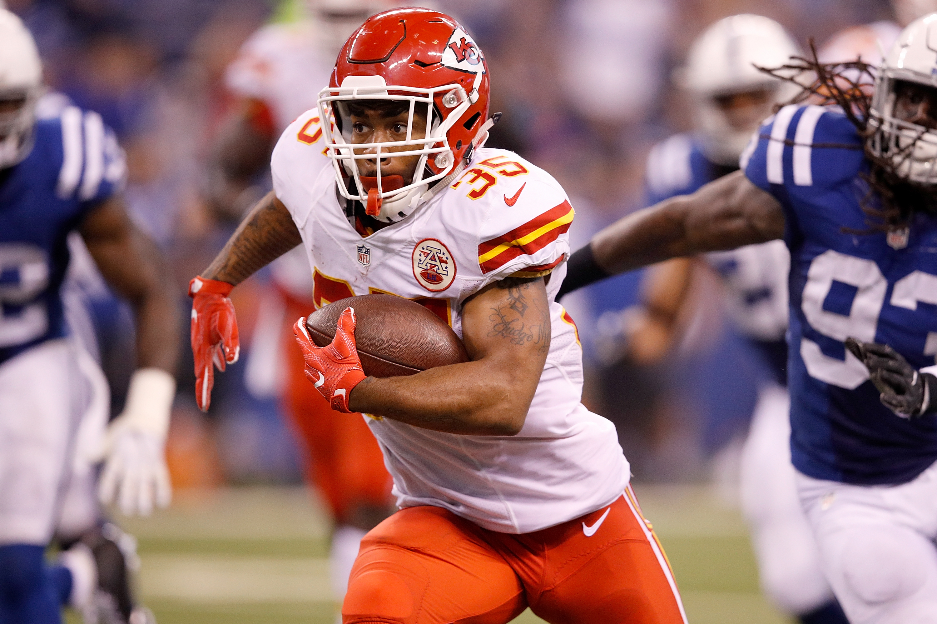 INDIANAPOLIS, IN - OCTOBER 30: Charcandrick West #35 of the Kansas City Chiefs runs with the ball during the game against the Indianapolis Colts at Lucas Oil Stadium on October 30, 2016 in Indianapolis, Indiana. (Photo by Joe Robbins/Getty Images)
