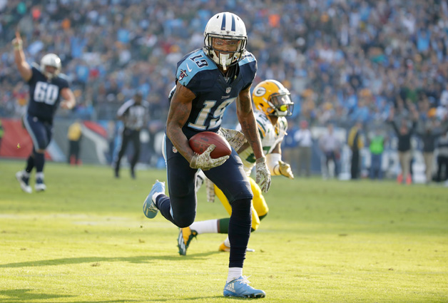 Tajae Sharpe #19 of the Tennessee Titans runs for a touchdown a touchdown during the game against the Green Bay Packers at Nissan Stadium on November 13, 2016 in Nashville, Tennessee.