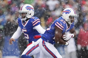 ORCHARD PARK, NY - DECEMBER 11: Tyrod Taylor #5 of the Buffalo Bills hands off to LeSean McCoy #25 of the Buffalo Bills against the Pittsburgh Steelers during the first half at New Era Field on December 11, 2016 in Orchard Park, New York. (Photo by Brett Carlsen/Getty Images)